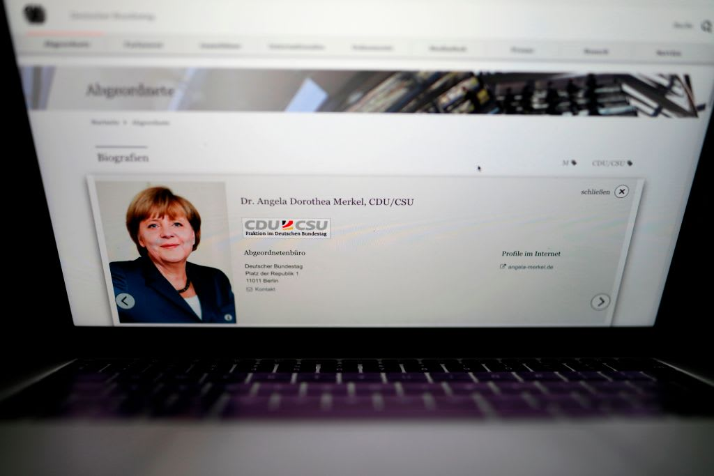 """ألمانيا في """"اجتماع أزمة"""" بسبب تسريب بيانات الساسة والشخصيات العامة على الإنترنت"""