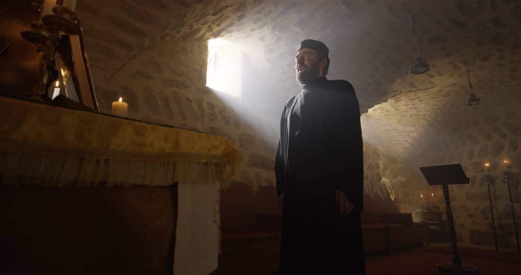 """الفنّان رشيد عساف يجسد شخصية المطران إيلاريون كبوجي في مسلسل """"حارس القدس"""""""
