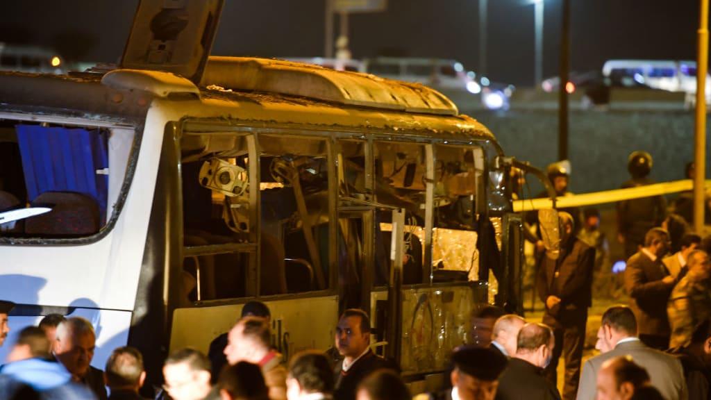 انفجار المريوطية.. استهداف حافلة سياح في مصر