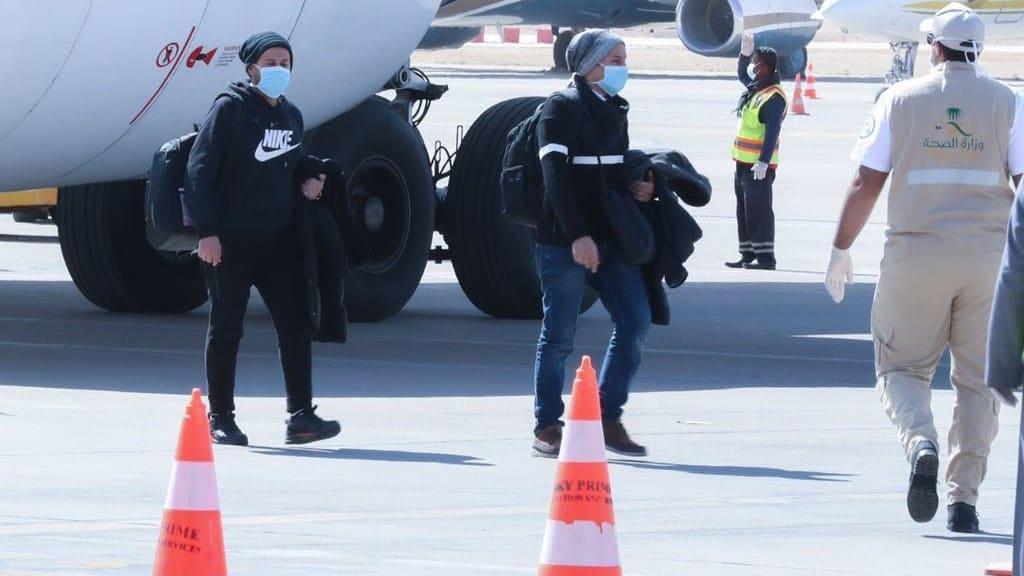 كيف تحمي الصين المسافرين من فيروس كورونا بعد فترة العطلة؟