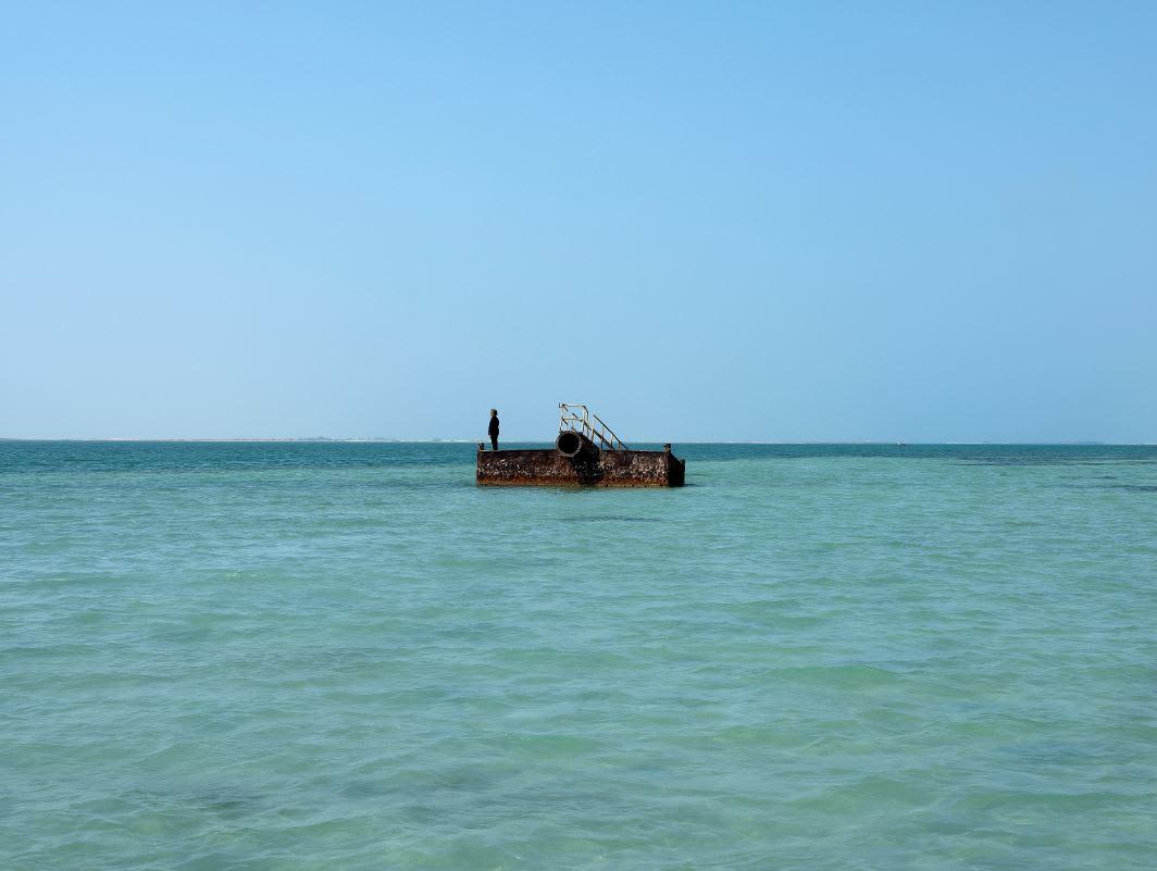 215 جزيرة تابعة لأبوظبي