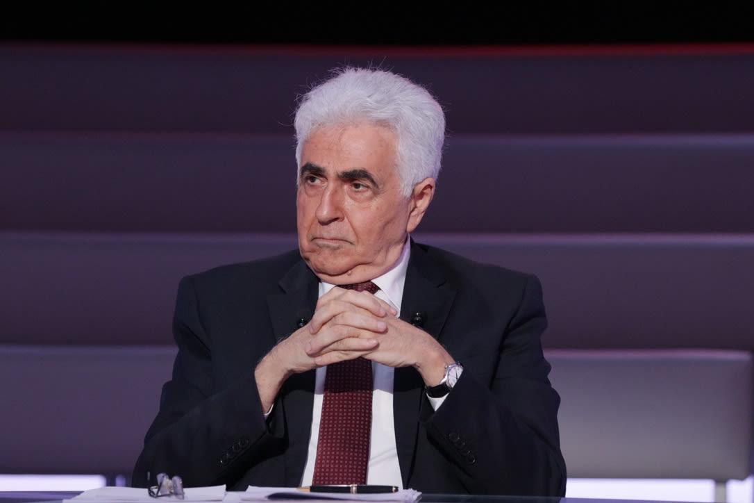 وزير الخارجية اللبناني ناصيف حتي يعلن تقديم استقالته من منصبه