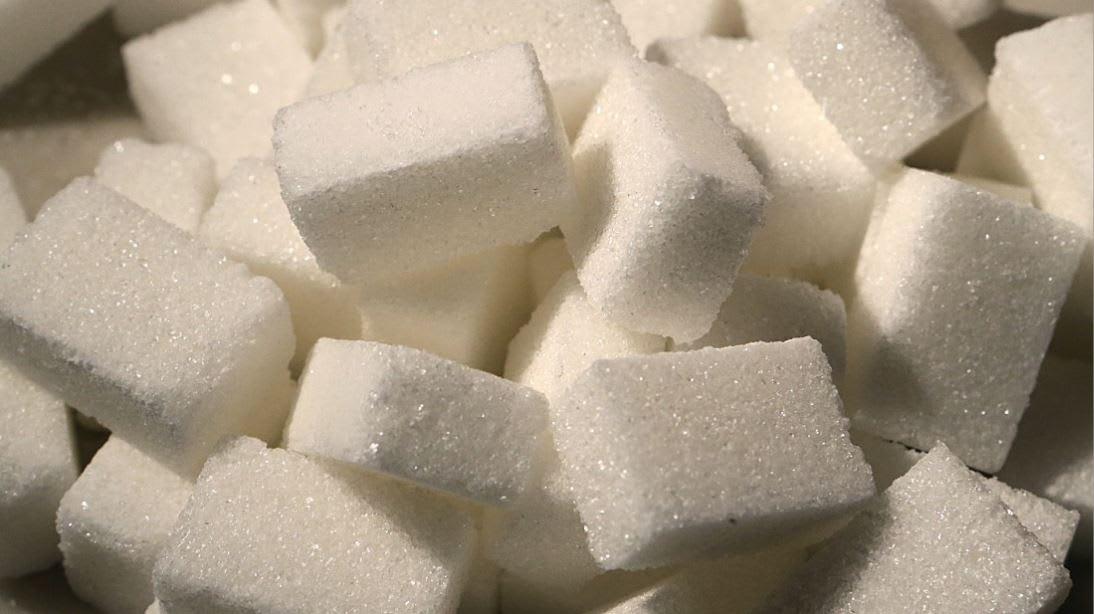 يبقى ضرره نفسه مهما تغير اسمه.. تعرف لمسميات السكر المختلفة