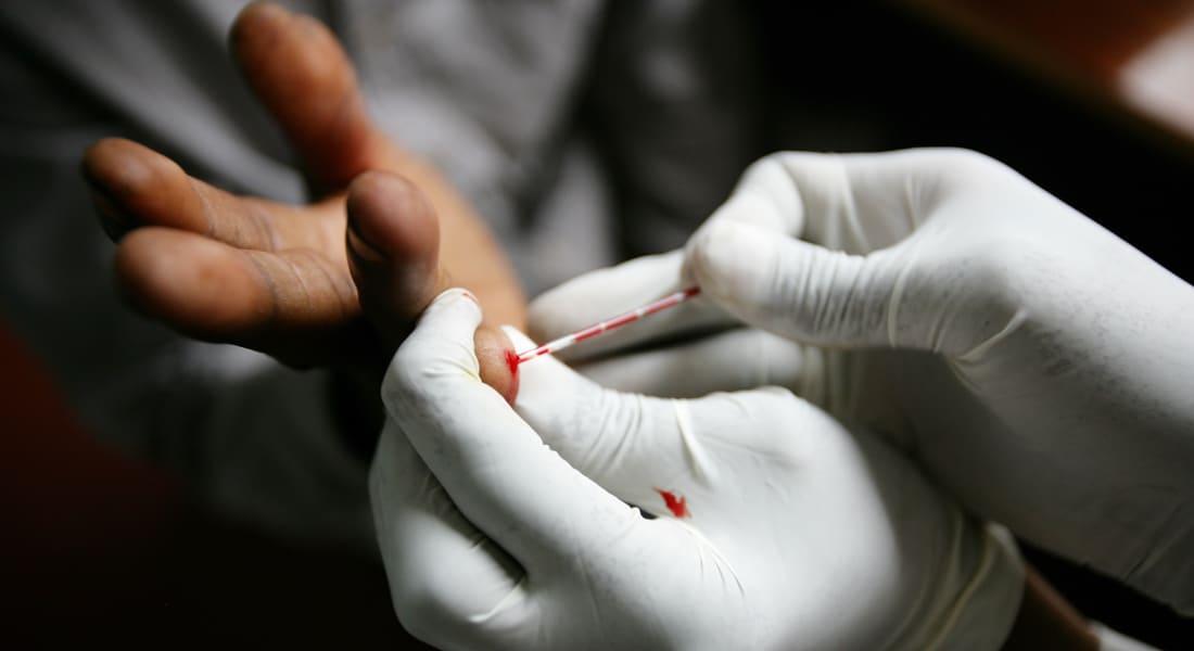 """تقرير..السعودية تحقق في إصابة شابين بالإيدز من """"متسولات عربيات"""""""
