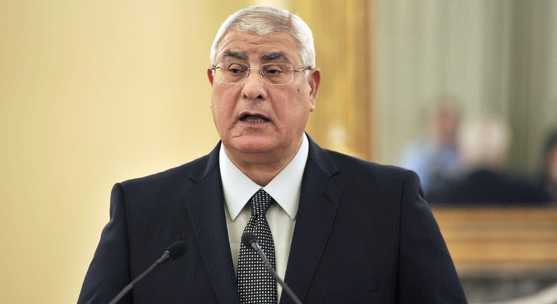 """رئيس مصر يتوعد بـ""""القصاص"""" لضحايا التفجيرات """"الإرهابية"""""""