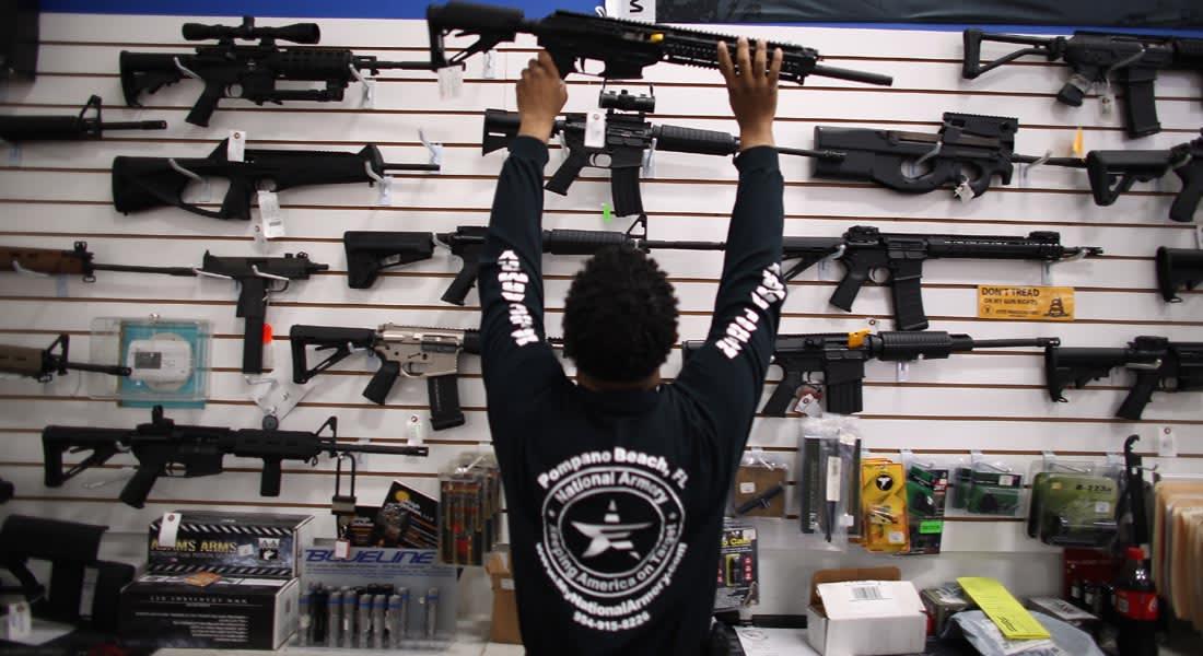 """بعد حوادث إطلاق النار بأمريكا.. نشطاء يطورون أسلحة """"ذكية"""""""