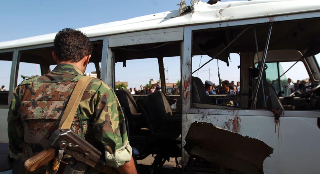 قتيلان و14 جريحا بانفجار استهدف حافلة عسكرية جنوب صنعاء