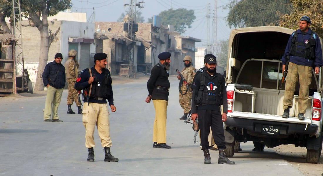 38 قتيلا وجريحا بتفجير مسجد للشيعة بباكستان