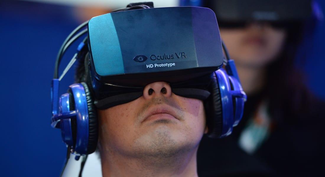 """فيسبوك تستحوذ بملياري دولار على شركة لـ""""الواقع الافتراضي"""""""