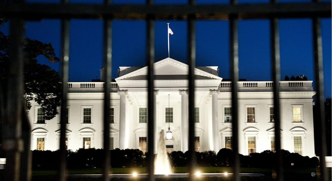 توقيف رجل حاول تسلق سور البيت الأبيض