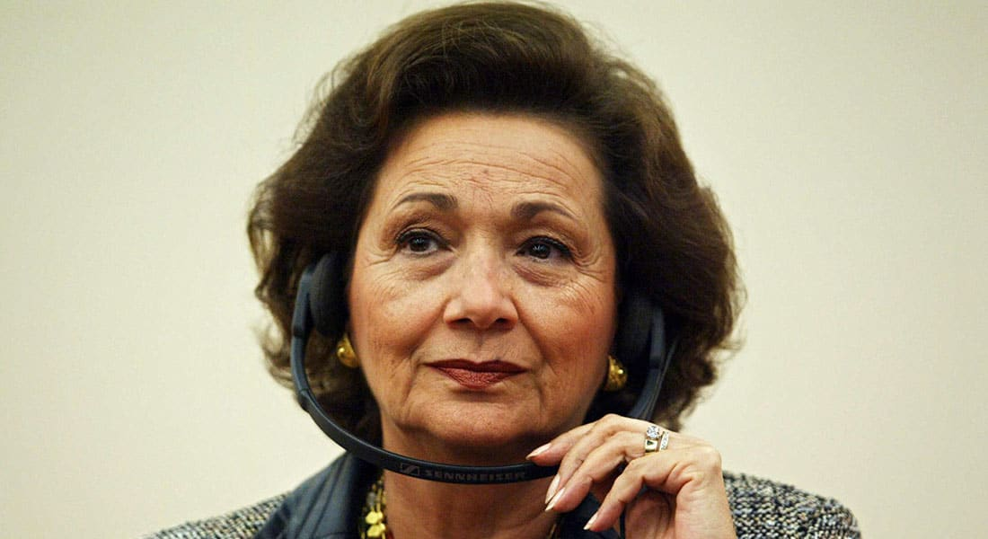 """صحف: سوزان مبارك تظهر بشروط والسيسي """"مرشح الضرورة"""""""