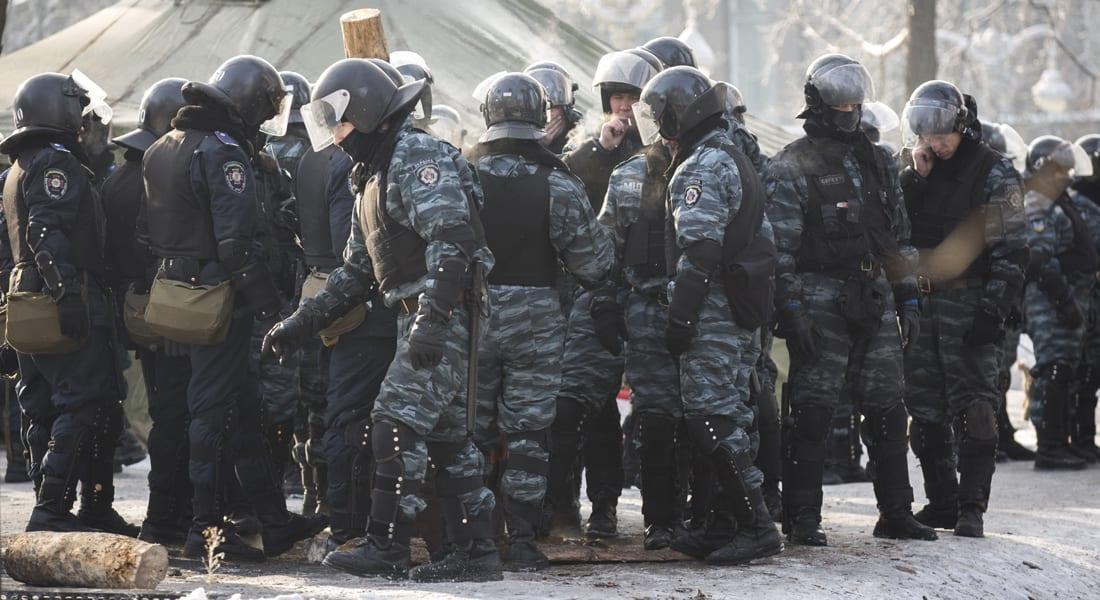 """أوكرانيا تحذر سكان """"سلافيانسك"""" وتعلن بدء عملية لمكافحة الإرهاب"""