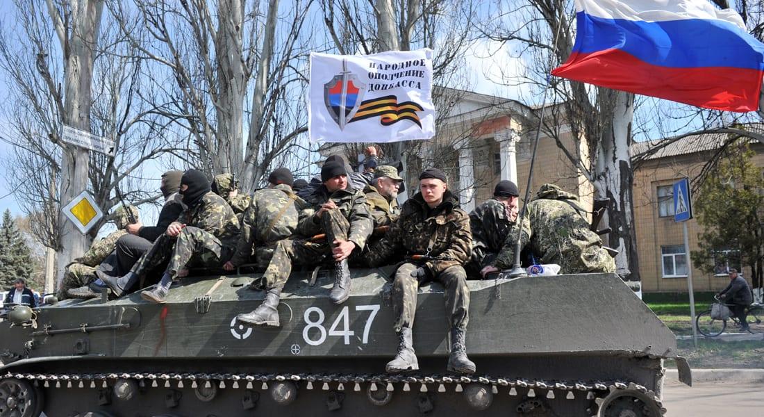 الناتو يعزز دفاعاته ومدرعات بأعلام روسية تجوب شرق أوكرانيا