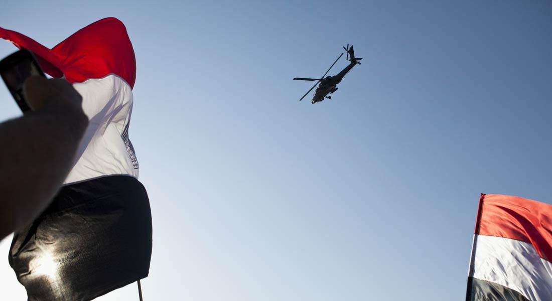 """هيغل يبلغ صدقي تسليم مصر 10 طائرات أباتشي ويشير لتأخر بدعم """"الانتقال الديمقراطي"""""""