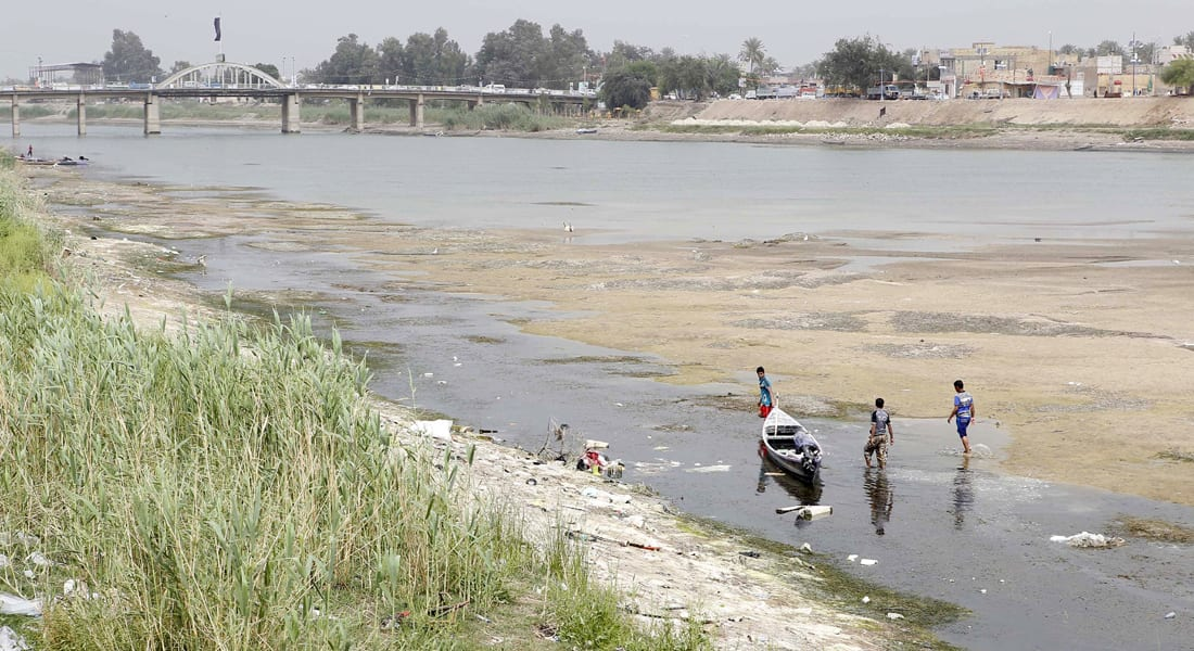 """العراق: """"أبوغريب"""" منطقة منكوبة بعد إغراقها بمياه الفرات"""