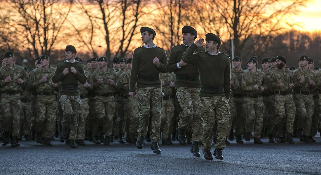 صحف العالم: صور مثيرة للجدل لجنديين بريطانيين في أفغانستان