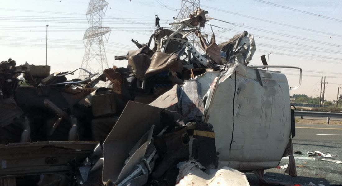 ارتفاع عدد وفيات حادث الحافلة في دبي إلى 15 جميعهم من العمال