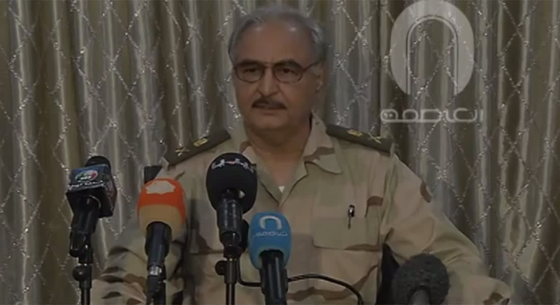ليبيا: 70 قتيلا و141 جريحا بمعارك بنغازي.. وحفتر ينفي تنفيذ انقلاب