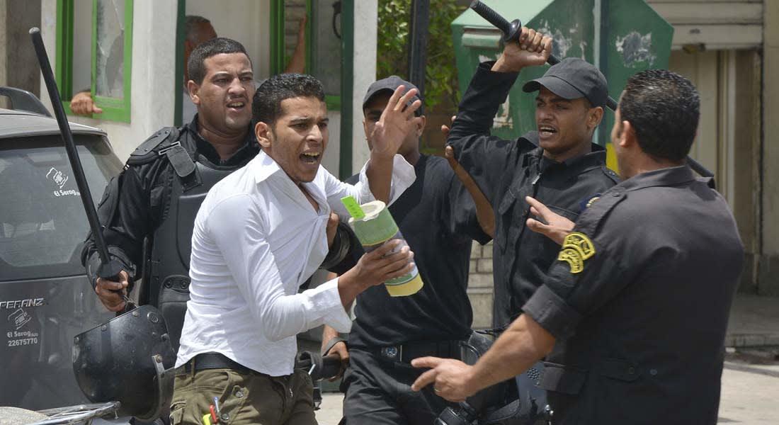 """مصر: مقتل مؤيدين للإخوان ومسيرات رافضة """"للانقلاب"""" بمناطق بالبلاد"""