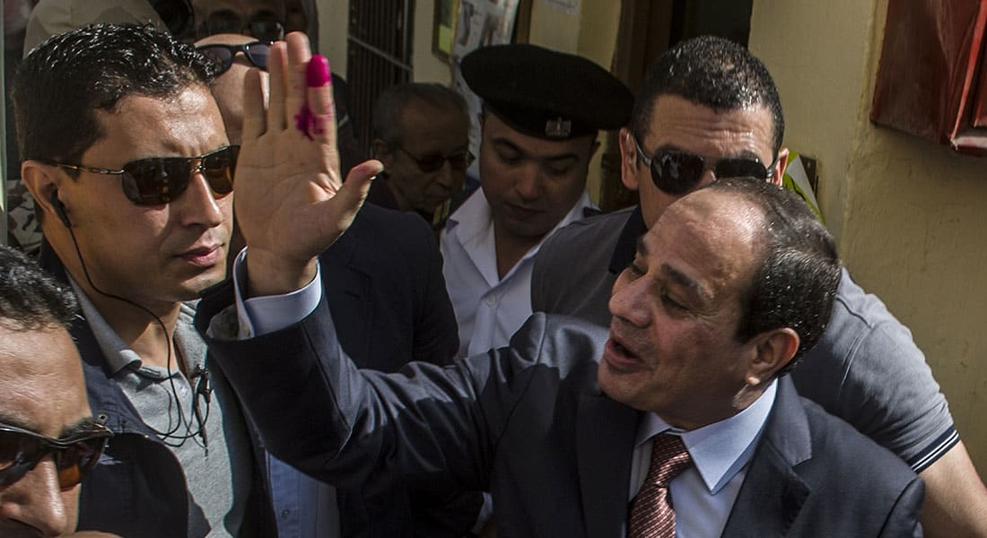 صحف: قبلة على خد السيسي وحماس تعود إلى حضن إيران