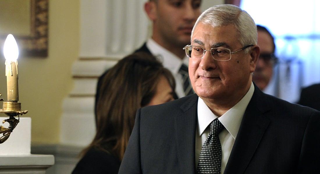 """منصور بكلمة """"مؤثرة"""" أخيرة للمصريين: أحبوا مصر عملاً لا قولاً"""