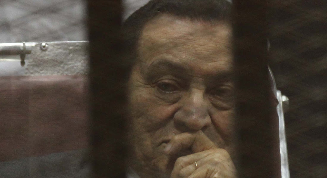 """مصر.. تأجيل محاكمة مبارك والعادلي بـ""""قضية القرن"""" لـ6 يوليو"""