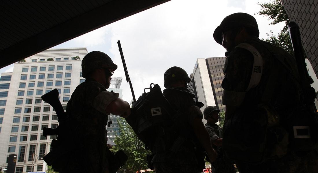 كوريا الجنوبية: اشتباكات مع جندي يشتبه قتله 5 من رفاقه