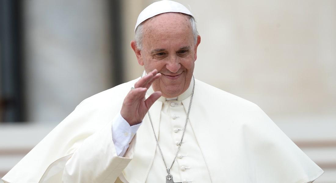 """بابا الفاتيكان """"آسف"""" لتباطؤ الكنيسة في مواجهة التحرش الجنسي"""