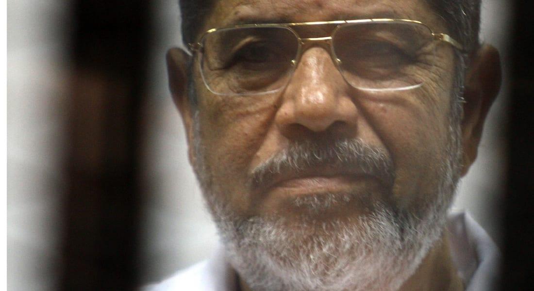 مرسي يهتف من خلف القضبان: حي على الجهاد.. لبيك يا غزة