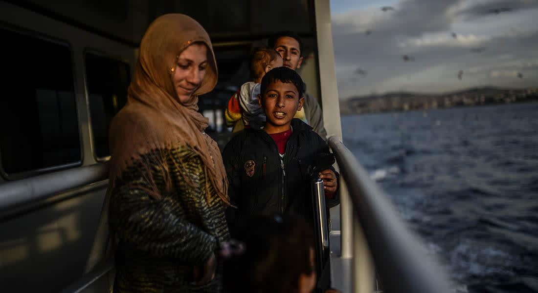 صحف: لاجئون سوريون على متن مراكب الموت وتوم هانكس في مصر