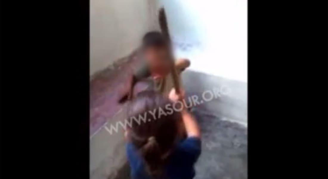 معارضون سوريون: تصوير ضرب طفل شيعي لولد سوري حقد أججته ميليشيا حزب الله