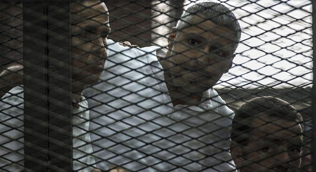 """صحف العالم: """"الشيطان"""" جمع بين ثلاثة صحفيين للتآمر ضد مصر"""