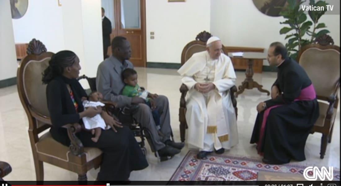 """سودانية واجهت الإعدام بسبب """"الردة""""  تلتقي البابا في الفاتيكان"""
