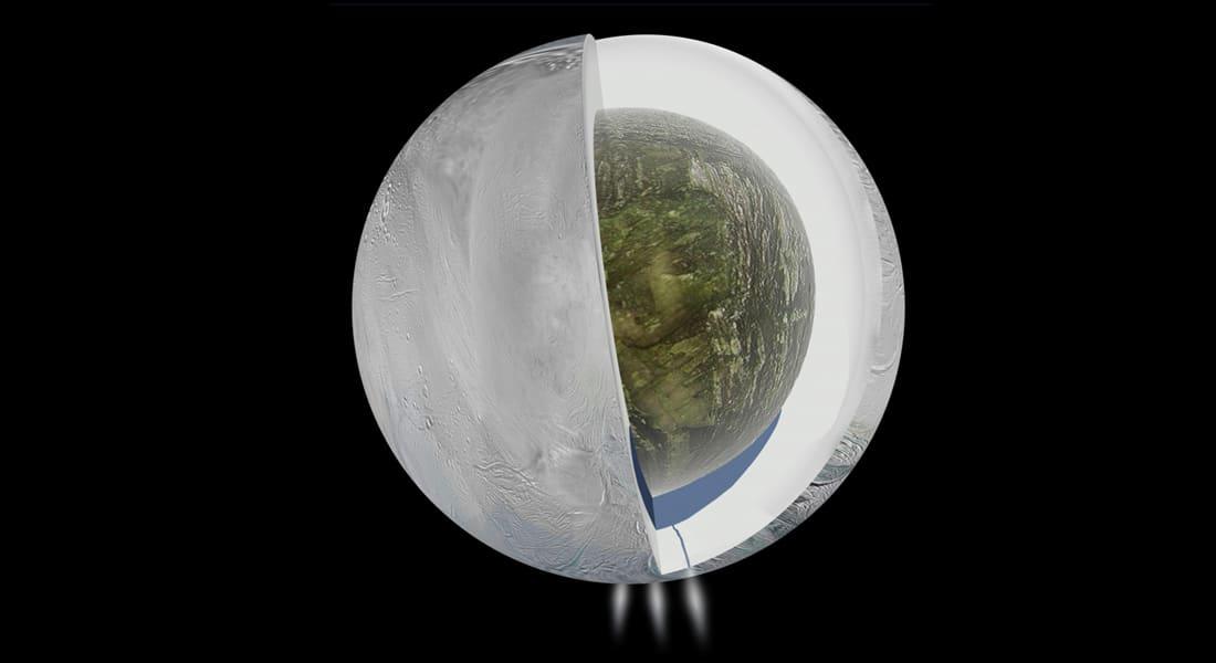 علماء فضاء يكتشفون وجود مياه على قمر لزحل