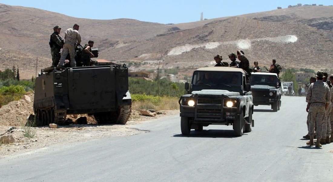 """لبنان: مسلحون يعرضون لقطات لمخطوفين عسكريين.. وشخصيات سنية تحذر من تقليد """"جيش المالكي"""""""