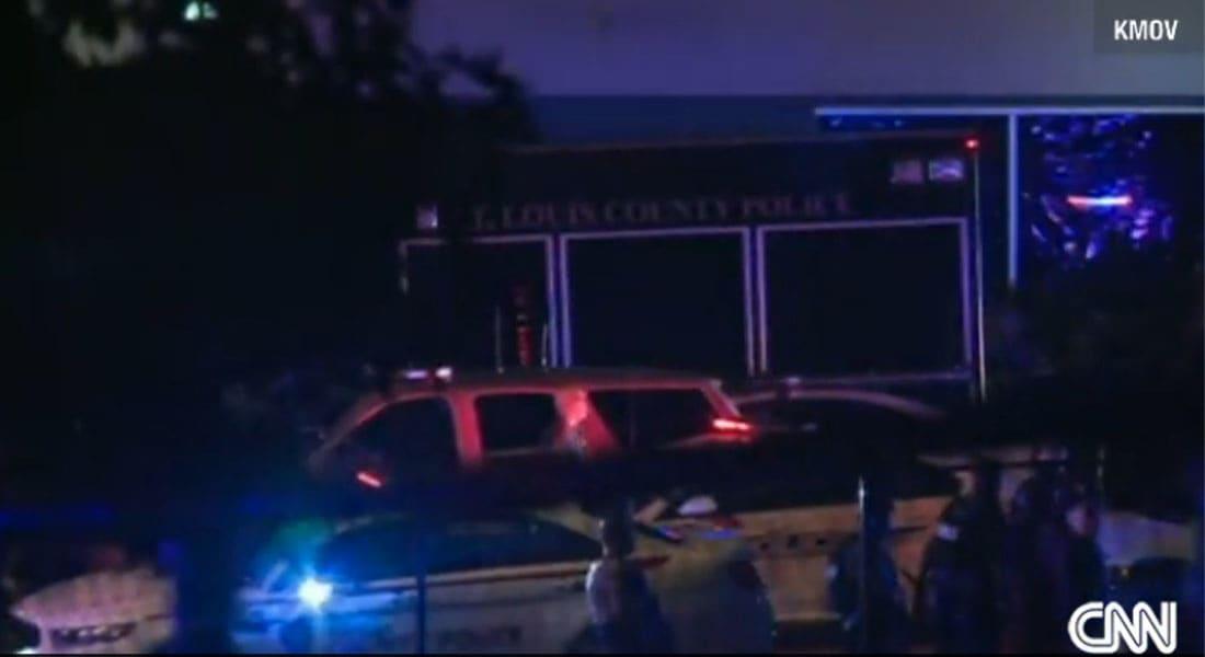 اعمال شغب في ميسوري بعد مقتل مراهق أعزل برصاص الشرطة
