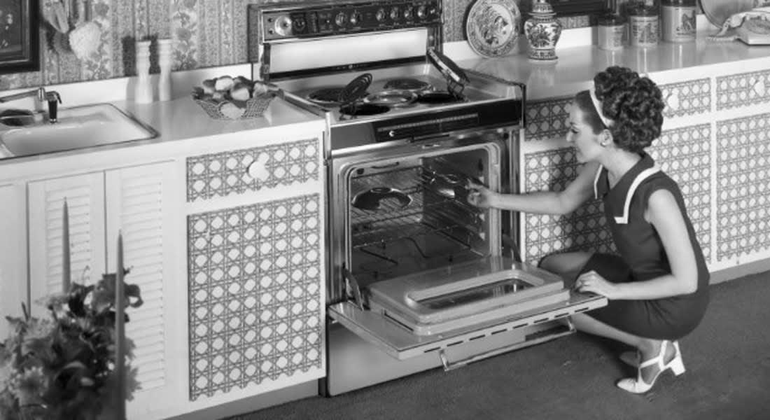 صدق أو لا تصدق: 5 محظورات مُنعت نساء أمريكا من ممارستها حتى ستينيات القرن العشرين