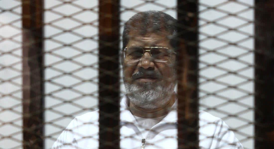 """مصر.. تأجيل محاكمة مرسي بـ""""وادي النطرون"""" وتغريم شاهدين والكشف على البلتاجي"""