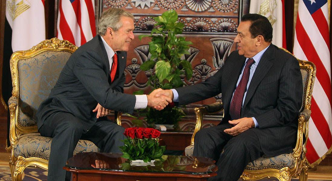 صحف: أسرار عداء مبارك لبوش ومخطط استخباراتي لتدمير اقتصاد مصر