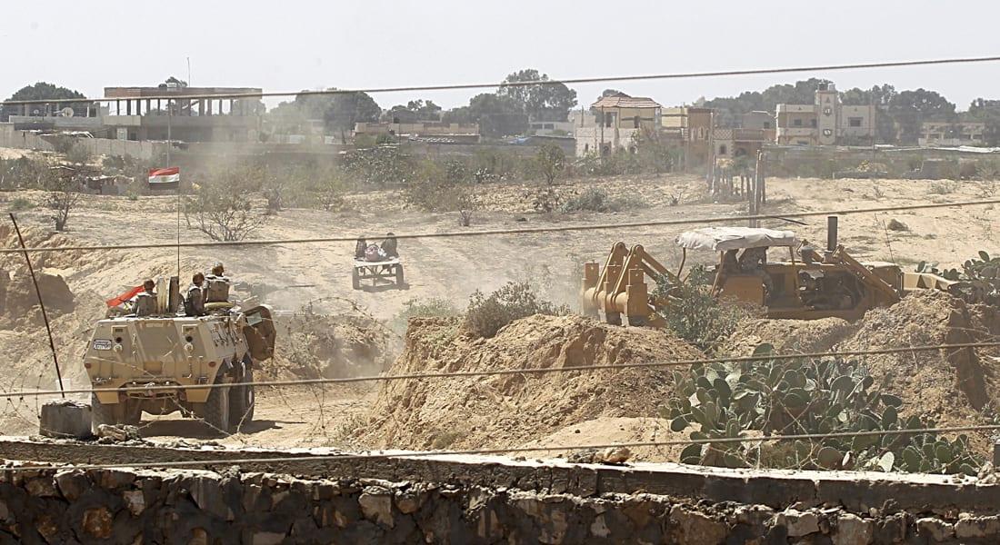 """ضبط 12 """"متسللاً"""" فلسطينياً وتدمير 3 أنفاق بحملات للجيش المصري في سيناء"""