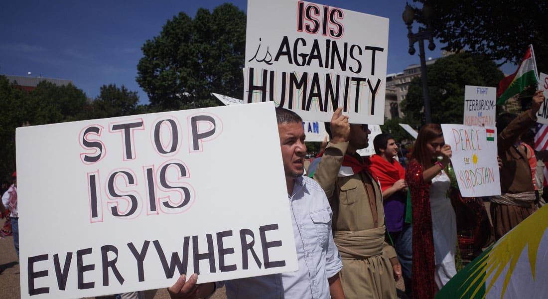 """أمريكا وحملة عسكرية محتملة بسوريا.. بين سندان تقوية الأسد ومطرقة """"تلميع"""" داعش"""