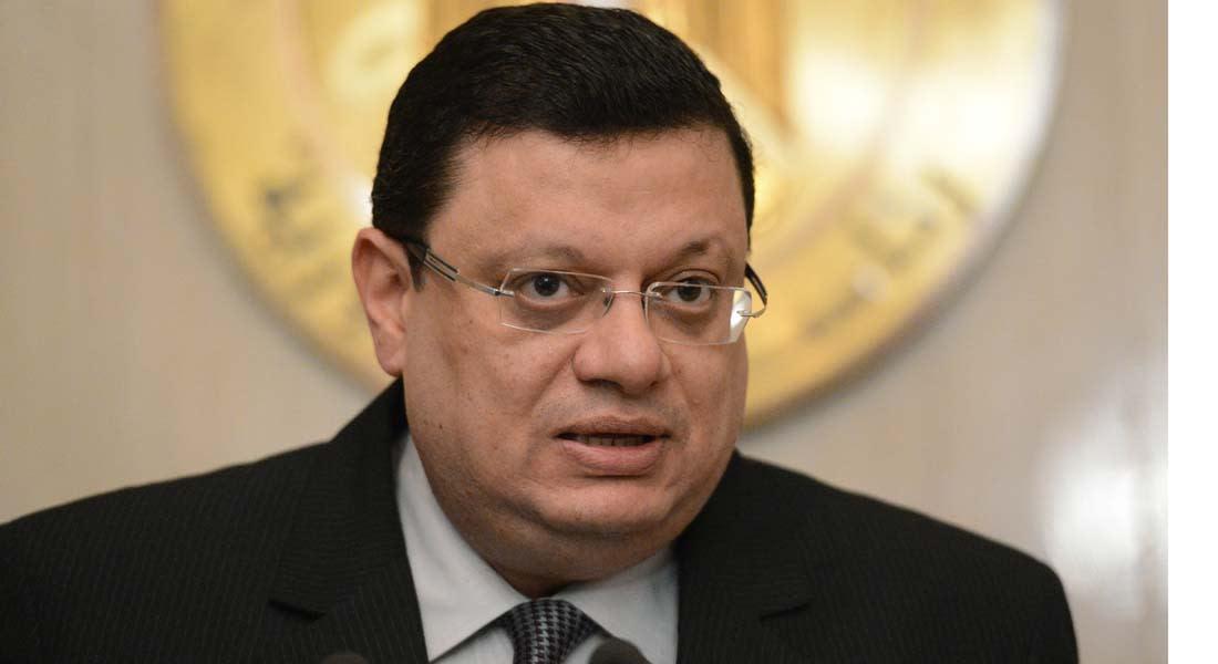 """المتحدث باسم """"مرسي"""" إلى محكمة الجنايات بتهمة مساعدة """"قنديل"""" على الهرب"""