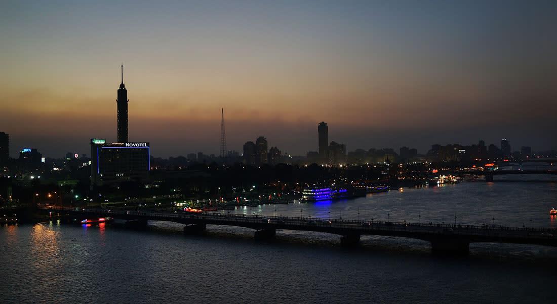 """صحف: مصر تعبر """"من الظلمات إلى النور"""" واعتقال شبيه محمد السادس بالمغرب"""