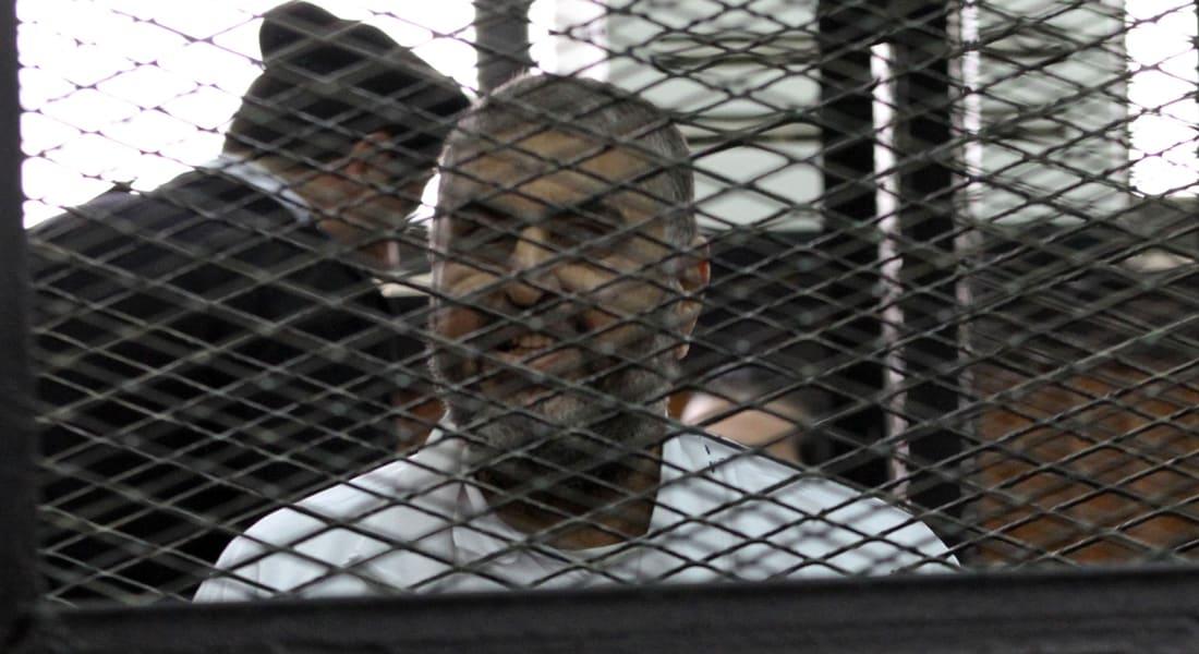 """ابنة خيرت الشاطر: فئران وصراصير تهاجم والدي بزنزانته.. وشاهد """"انتصار غزة"""" في """"رؤيا"""""""