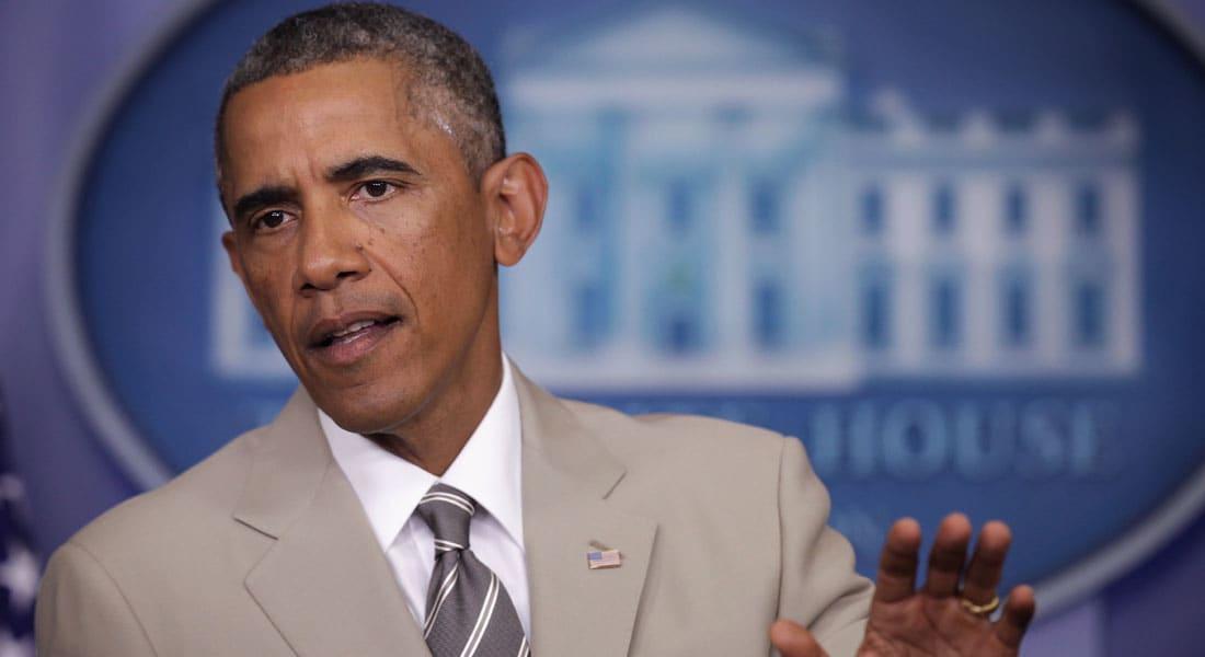 """عندما ارتدى أوباما بزة فاتحة اللون.. وضج """"تويتر"""" بالسخرية"""