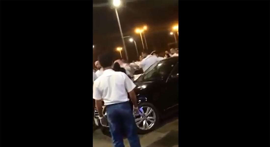 """فيديو لسعودية """"تصفع"""" عضوا بهيئة الأمر بالمعروف والنهي عن المنكر يثير ضجة"""