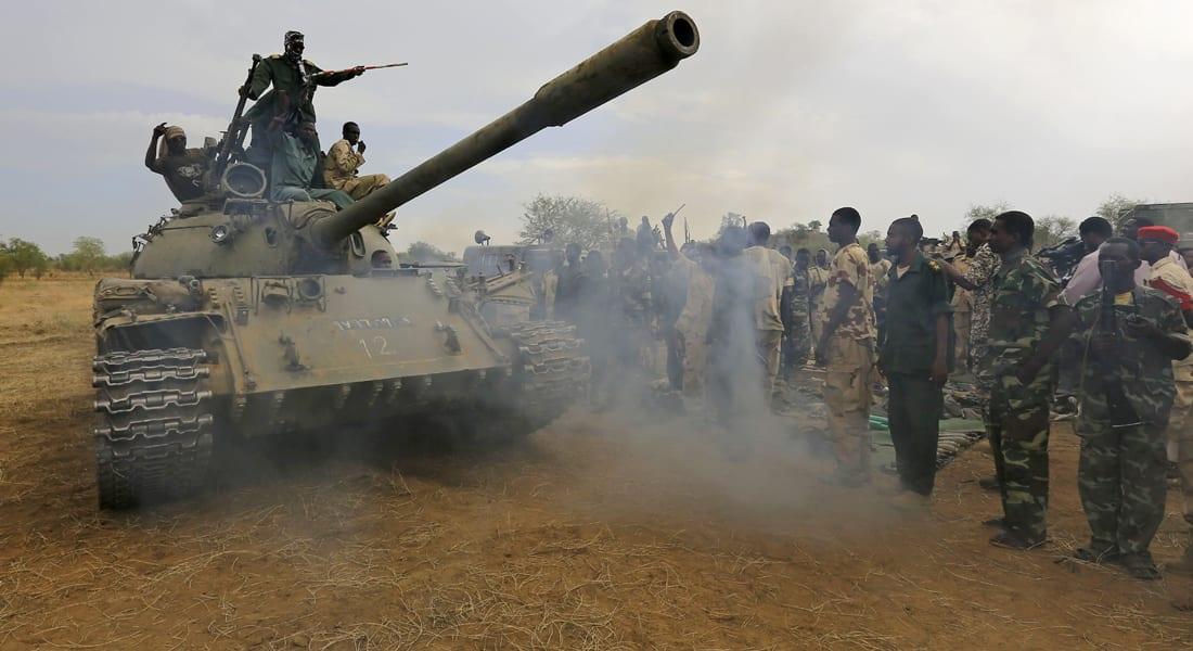 السودان ينفي إرسال أسلحة لجماعات ليبية مسلحة.. وحكومة الثني تطرد ملحقه العسكري