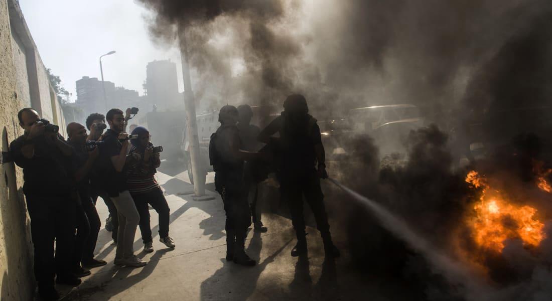 """مصر.. موجة تفجيرات تستهدف المحاكم واحتجاجات """"ضنك"""" تغلق شوارع القاهرة"""