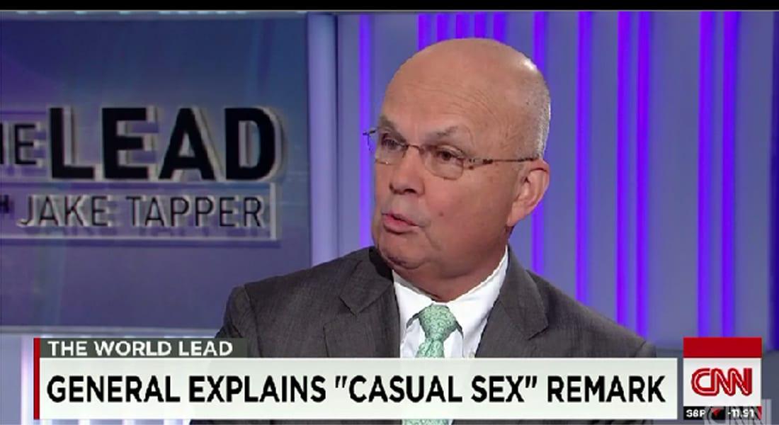 """مدير CIA السابق منتقدا استراتيجية أوباما ضد داعش: الاكتفاء بالضربات الجوية كـ""""العلاقة الجنسية العابرة"""""""