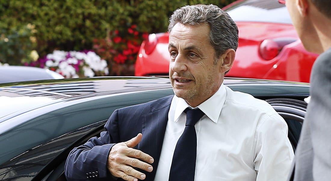 """ساركوزي """"المعتزل"""" يتراجع ويعلن عودته للحياة السياسية"""